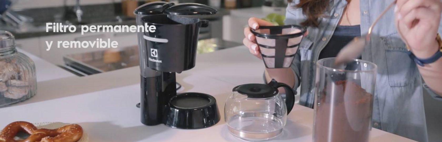 Cafetera semi automática Electrolux CMB31